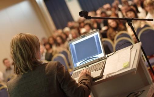 Apprentissage universitaire et TIC : Le maître surpasserait l'élève