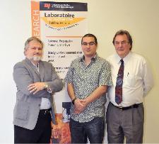 Pierre-André Bélanger, Dr. Nadir Hakem, et Dr. Gilles Delisle de l'UQAT
