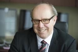 Le directeur général de l'École de technologie supérieure, Pierre Dumouchel.