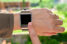 Montres connectées : Apple tire le marché vers le bas