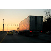 Camion connecté, transport, technologie prêt-à-porter, Internet des objets