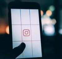 Chat, le nouvel autocollant d'Instagram