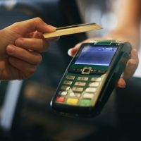 Canada: la moitié des paiements par carte effectués sans contact