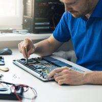 Les ordinateurs désuets coûtent cher aux PME canadiennes, selon une étude