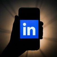 LinkedIn teste des «stories» à la Snapchat