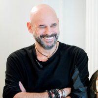 Guy Laliberté s'associe à Microsoft pour lancer une plateforme de réalité mixte