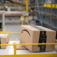 Amazon ouvre son premier centre d'exploitation robotisé