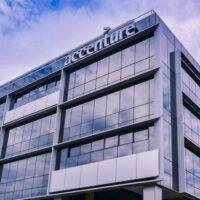 Accenture mise sur la veine des services médicaux